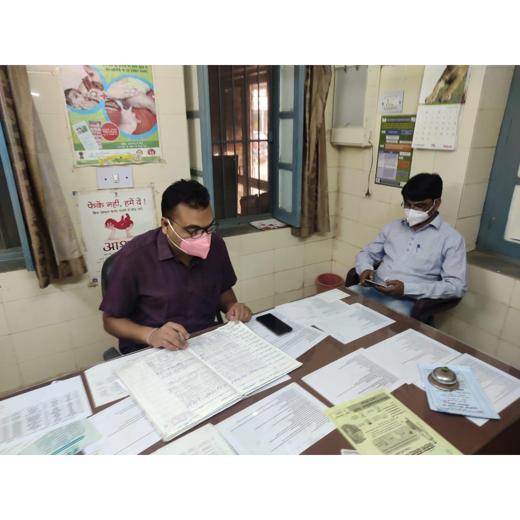 सीएचसी स्वरूपगंज का किया औचक निरीक्षण. डॉ. राजेश कुमार