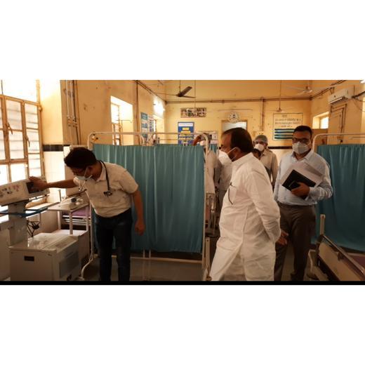 कोविड 19 के खिलाफ जंग में विधायक लोढा ने राजकीय चिकित्सालय सिरोही व कोरोना वार्ड का किया सम्पूर्ण निरीक्षण।
